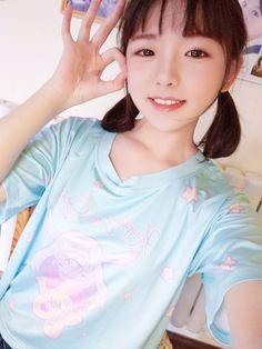 Asian Cute, Cute Asian Girls, Cute Little Girls, The Most Beautiful Girl, Beautiful Asian Girls, Manga Poses, Grunge Girl, Japanese Teen, Japan Girl