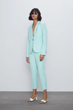 Get dressed up with this season's women's blazers at ZARA online and achieve effortless style. Zara Spain, Cropped Flare Pants, Blazers, Long Knit Cardigan, Mode Blog, Suede Coat, Canada, Faux Leather Leggings, Zara Women