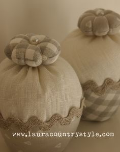 Burlap Crafts, Fabric Crafts, Sewing Crafts, Sewing Box, Sewing Notions, Jute, Burlap Door Hangers, Shabby, Textiles