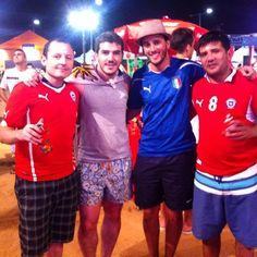 Chile + Uruguai + Argentina = América Latina em peso na #fanfestnatal! PS: argentino fantasiado de italiano! :D
