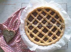La ricetta per un intramontabile CROSTATA CON NUTELLA  http://www.mangioridoamo.com/2016/01/06/crostata-con-nutella/