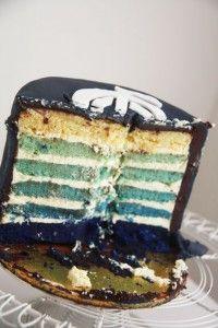 Inside of cake 60th Birthday Party, Birthday Ideas, Carlton Football Club, Cupcake Cakes, Cupcakes, Penguin Party, Football Parties, Ombre Cake, Cake Decorating Techniques