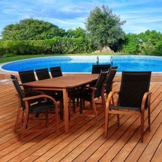 Its resistance to weather and UV radiation makes the set durable and enjoyable