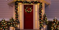 Christmas is right around the corner and you must be thinking of great outdoor Christmas decorating ideas to spread some holiday cheer to every aspect of your house, especially your front yard to s… Christmas Images Free, Merry Christmas Pictures, Merry Christmas Song, Red Christmas, Christmas Kitchen, Outdoor Christmas Decorations, Holiday Decor, Outdoor Decor, Christmas Backdrops For Photography