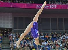 Jordyn Wieber, gold medal in gymnastics at 2012 London Games Olympic Badminton, Olympic Games Sports, Olympic Team, Gymnastics Team, Gymnastics Pictures, Olympic Gymnastics, Front Walkover, Usa Gold, Jordyn Wieber