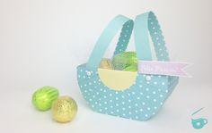 Aprenda a fazer uma linda cestinha de papel, ideal para dar de lembrancinha de…