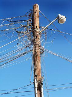 Robo de electricidad.