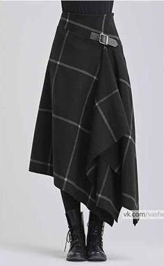 Modern take on a kilt in black with white windowpane pattern - Designer Dresses Couture Mode Outfits, Skirt Outfits, Fashion Outfits, Dress Skirt, Kilt Skirt, Fashion Ideas, Skirt Boots, Tweed Skirt, Dress Boots