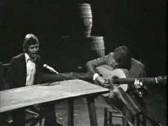 Camaron por Tientos Y Tangos -  No se sabe si este palo del flamenco es de origen gitano o árabe. Un gran intérprete fue Manuel Torres, de quien Lorca dijo que era 'el cantaor gitano de más rajo y emotividad expresiva que se recuerda. Tenía tronco de Faraón'.