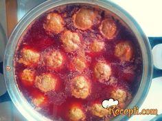 Recept za Kuvane ćufte. Za spremanje ovog jela neophodno je pripremiti rostiljsko meso, šargarepu, zapine, kari, kurkumu, bosiljak, biber.