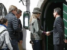Dutch Royal Family is currently in the Salzburg region of Austria in order to have their a short holiday. Dutch royal family including King Willem-Alexander, his wife Queen Maxima and their daughters Crown Princess Catharina-Amalia, Princess Alexia and Princess Ariane visited Seewalchen am Attersee in Upper Austria. Princess Beatrix is with them. King Willem-Alexander celebrated his 50th birthday on April 27.