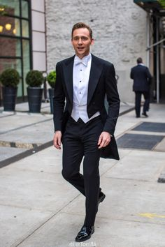 Tuxedo Tuesday: Tom Hiddleston