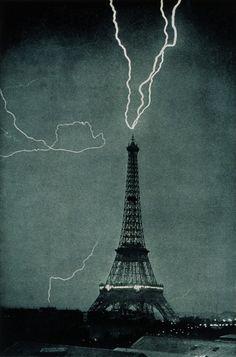 Lightning striking Eiffel tower 1902