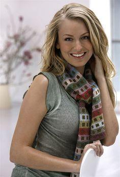 Flot dobbeltstrikket tørklæde - Hendes Verden Fair Isles, Crochet Accessories, Neck Warmer, Free Knitting, Knitting Scarves, Mittens, Scarf Wrap, Knit Crochet, Cardigans