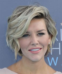 charissa-thompson-short-wavy-hairstyle More
