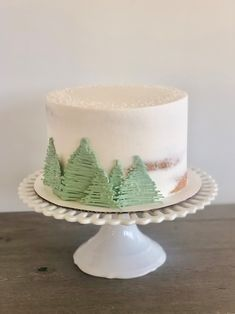 semi-naked cake with chocolate trees Chocolate Tree, Cake Decorating, Decorating Ideas, Winter Onederland, Christians, Boy Birthday, Wonderland, Naked, Trees