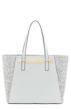 Top 10 Spring Trends- White tote