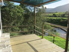 Swaynekloof Farm, Botrivier Valley. 4 x cottages. Pet friendly. From R500 - R2000 nightly per unit, minimum two nights stay.
