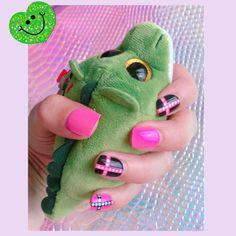 $1 well spent on tacky fake nails 😜 #💅 #nails #falsenails