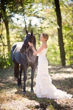 I want wedding pictures with my horse like this but on a smaller scale! Hahaha