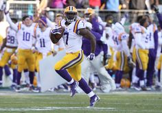 When a player draws comparisons toan NFL MVP, the expectations he faces are high. So imagine what Leonard Fournette faced entering his collegiate career.  The New Orleans native was not just the nation's top prospect in …