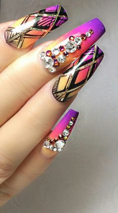 So much going on on these coffin/ballet nails:  striping tape, hand-painted nail art, stones and embellishments from @jonnydieppham ;)