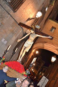 """Semana Santa Toledo. Santísimo Cristo de la Vega. """"¿Quién me presta una escalera, para subir al madero, para quitarle los clavos a Jesús el Nazareno?"""" (Saeta Popular)"""