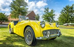 Classic Cars – Old Classic Cars Gallery Old Sports Cars, British Sports Cars, Classic Sports Cars, Sport Cars, Coventry, Datsun Roadster, Triumph Tr3, Classy Cars, Classic Mercedes