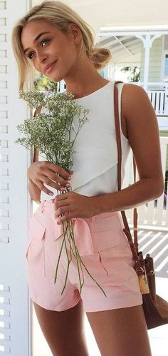 #muraboutique #label #outfitideas |  White Top + Coral Shorts
