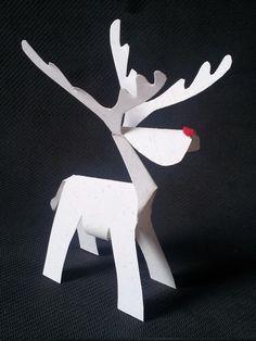 Este Rudolf,el reno de la nariz roja, que he hecho es puro kirigami (en japonés: kiri=cortar, gami=papel)