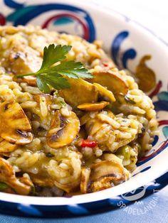 Pumpkin risotto and porcini mushrooms - Ecco un abbinamento che conquista il palato degli amanti della buona tavola: zucca e funghi porcini, per un risotto mantecato a dovere, e buonissimo! #risottozuccaeporcini