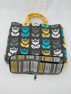 Totes that zip into wallets! I MUST have this!