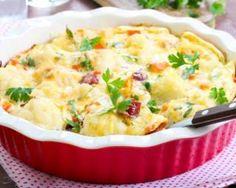 Gratin de chou-fleur allégé aux saucisses de porc : http://www.fourchette-et-bikini.fr/recettes/recettes-minceur/gratin-de-chou-fleur-allege-aux-saucisses-de-porc.html