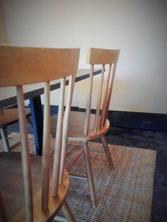 #mercadoloftstore #umseisum #porto #agosto #verão #summer #chair #table #interior #wood #valchromat #office #room #decoração #interior #interiordesign #classic #furniture #product #pieces #carpet #light #reflect