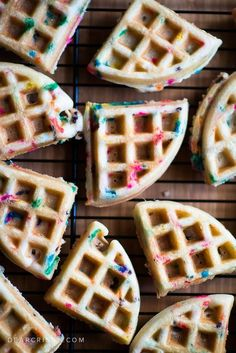 Could You Eat Pizza With Sort Two Diabetic Issues? Cake Batter Birthday Waffles - These Fluffy And Delicious Waffles Are So Easy To Make Using A Boxed Cake Mix And Your Waffle Iron. Also, Sprinkles, Of Course Yummy Treats, Yummy Food, Tasty, Cake Batter Waffles, Waffle Batter Recipe, Fluffy Waffles, Cake Mix Pancakes, Nutella Waffles, Buckwheat Waffles