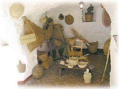 MUSEO ETNOLÓGICO DE LA MUJER GITANA Granada, Painting, Art, Gypsy Women, Caves, Museums, Travel, Art Background, Grenada