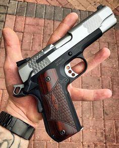 """⠀⠀⠀⠀⠀⠀ ⠀⠀⠀⠀⠀⠀⠀⠀⠀⠀ MΔΠUҒΔCTURΣR: Smith & Wesson MΩDΣL: SW1911 SC """"E-series"""" CΔLIβΣR: 45 ACP CΔPΔCITΨ: 8 Rounds βΔRRΣL LΣΠGTH: 4 ¼ ШΣIGHT: 816 g By @wtv_guns..."""