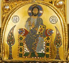File:The Greek Pantokrator on the Hungarian Holy Crown. Hungary History, Royal Crowns, Byzantine Art, Naha, Crown Jewels, Female Images, Holi, Vintage World Maps, Greek
