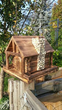 Bird Feeder, Log Cabin Style with Stone Chimney - . Bird Feeder, Log Cabin Style with Stone Chimney - Rustic Bird Feeders, Bird House Feeder, Wood Bird Feeder, Bird Feeder Plans, Wooden Bird Houses, Bird Houses Diy, Build A Fireplace, Stone Chimney, Bird House Plans