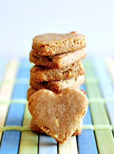 Apple Peanut Butter Dog Treats - simple and tasty treats for your pup! four whole food ingredients become a crunchy bite your dogs are sure to be