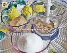 Preparare in casa farina di mandorle o di nocciole, è molto semplice il procedimento, utilizzare zucchero o pangrattato per preparazioni dolci o salate.