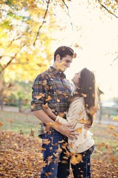 a pretty fall engagement session.