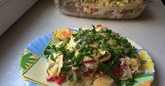 Zapiekanka ziemniaczana z boczkiem i pieczarkami. Ziemniaki gotujemy przez około 10 minut w osolonej wodzie, następnie kroimy je w... Sprawdź!
