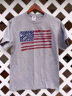 AMERICAN FLAG DISTRESSED GRAPHICS Gray T Shirt Top Size M Fruit of the Loom #FruitoftheLoom #CrewNeckTShirt #Casual