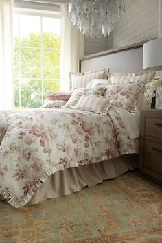 This contains: Sherry Kline Designer Bedding Collection | Designer Bedding Collection #luxurybedding #designerbedding #bedroomideas #bedding Queen Comforter Sets, Luxury Bedding Sets, King Beds, Bedding Collections, Bed Design, Comforters, Interior Design, Bedroom, Top Designers