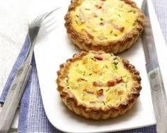 Mini quiches aux lardons et fines herbes http://www.cuisineaz.com/recettes/mini-quiches-aux-lardons-et-fines-herbes-13880.aspx