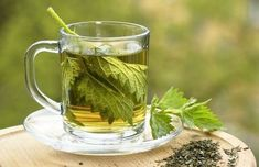 Remarkable Stinging Nettle Benefits There are many documented benefits of drinking nettle tea, but can we just start with the fact that it just tastes good? Herbal Remedies, Home Remedies, Natural Remedies, Diuretic Foods, Cha Natural, Nettle Leaf Tea, Herbs For Hair, Green Tea Benefits, Ginger Tea