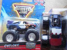 2010 Cyclops #13 Hot Wheels Monster Jam Classics Truck Flag Series 1:64 scale #HotWheels #diecast
