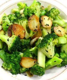 프랑스 사람들의 다 먹지 못하는 바나나 보관법 꽁뽀뜨 만들어 리얼 바나나우유 만들기 Korean Food, Food Items, Broccoli, Tasty, Meals, Vegetables, Cooking, Breakfast, Recipes