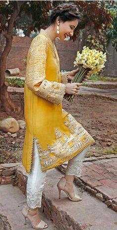 New embroidery designs pakistani Ideas Pakistani Fashion Casual, Pakistani Dresses Casual, Pakistani Dress Design, Indian Dresses, Indian Outfits, Asian Fashion, Pakistani Party Wear, Party Wear Dresses, Bridal Dresses